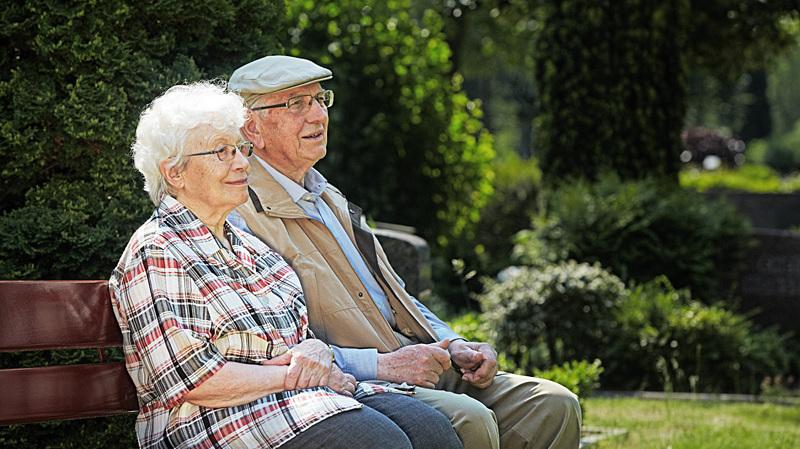 Aider son aîné à préparer son admission en maison de retraite