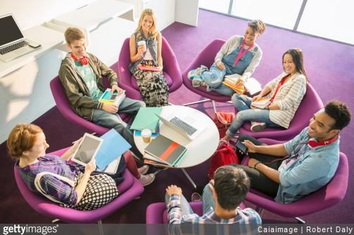École de commerce : pourquoi s'investir dans la vie associative ?