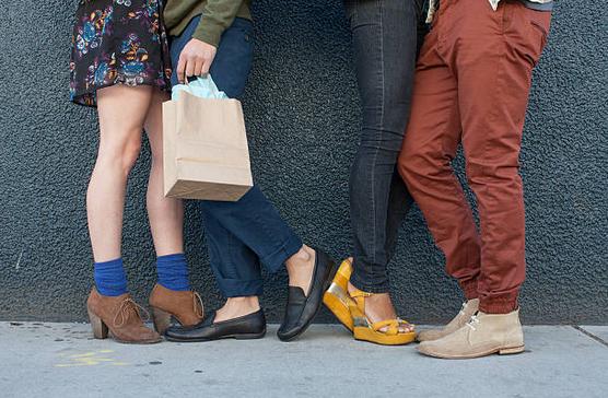Chaussures été : comment les porter sans chaussettes ?