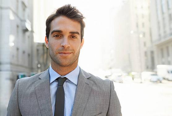 Mode homme   comment porter le costume au bureau lorsqu il fait chaud   acbb6a9945a