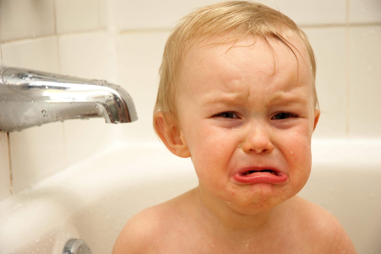 Eau du robinet et bébé : quelles règles à suivre ?