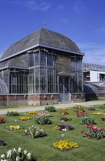 Serre du jardin des plantes dans le centre ville de Nantes