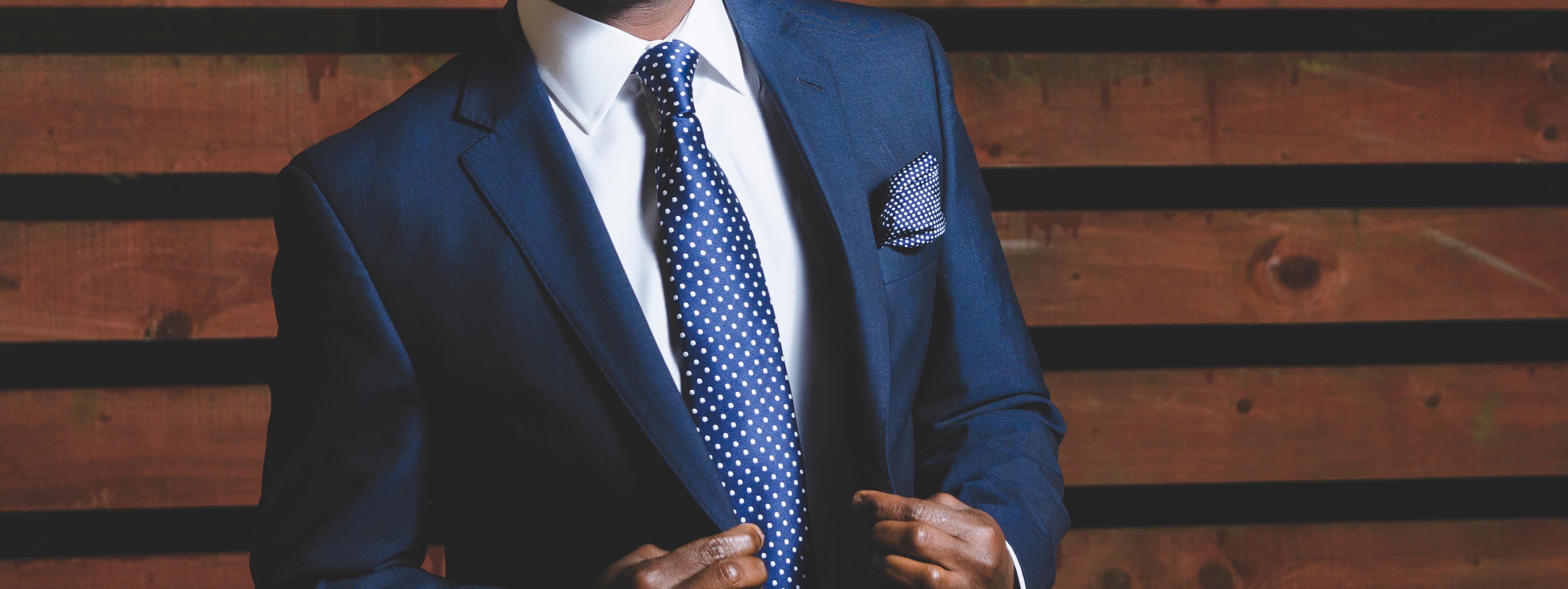 Comment faire un nœud de cravate ?