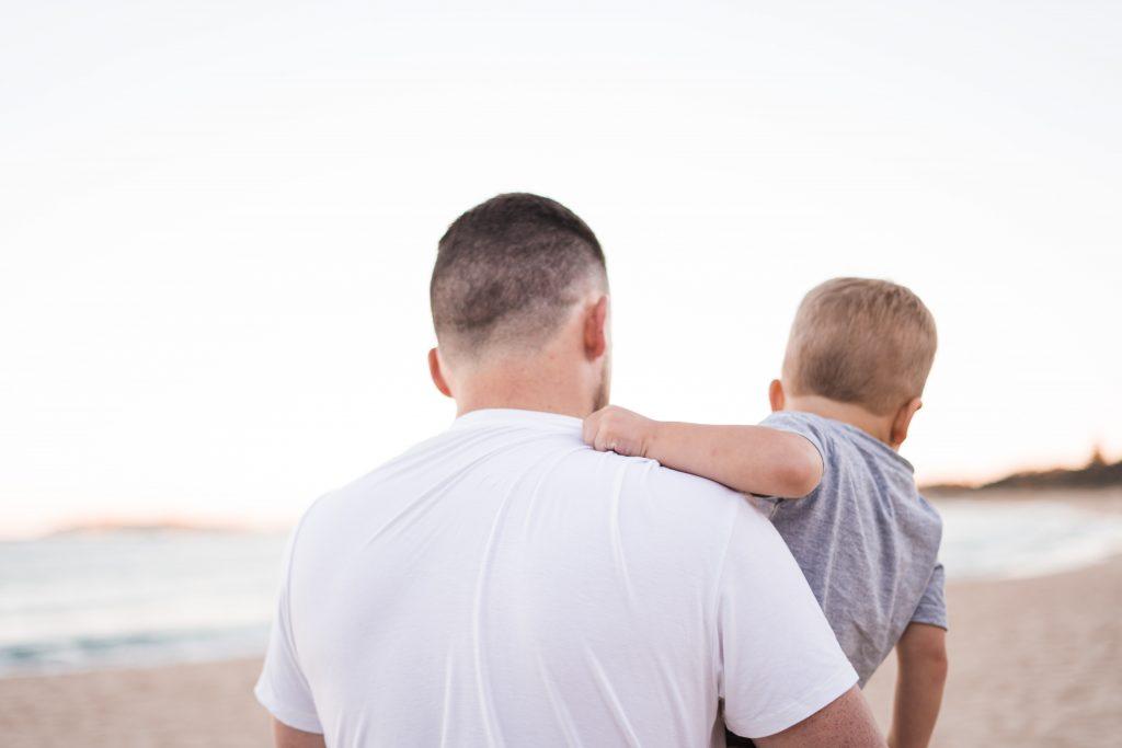 jeune père et son bébé